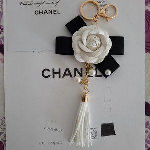 Chanel White leather Camellia Key chain bag charm